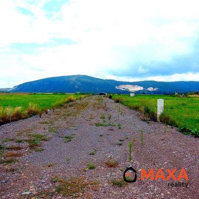 REZERVOVANÉ Stavebný pozemok - Oslany, okres Prievidza