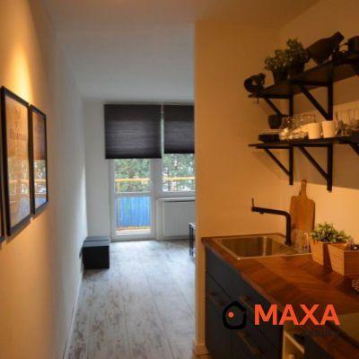 REZERVOVANÝ - Nadštandartný 1 izbový byt, Žiar nad Hronom