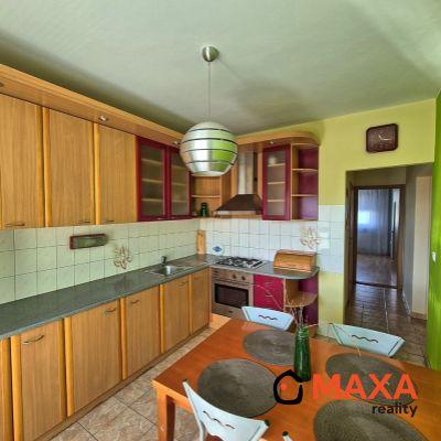 REZERVOVANÉ Príjemný slnečný trojizbový byt na sídlisku Zapotôčky