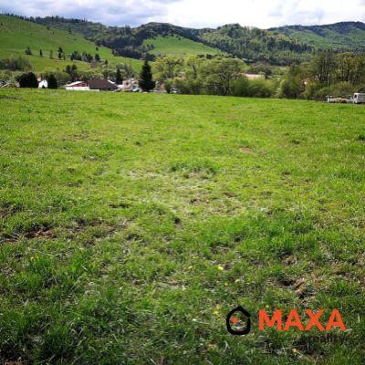 Krásny slnečný pozemok v obci Michalová